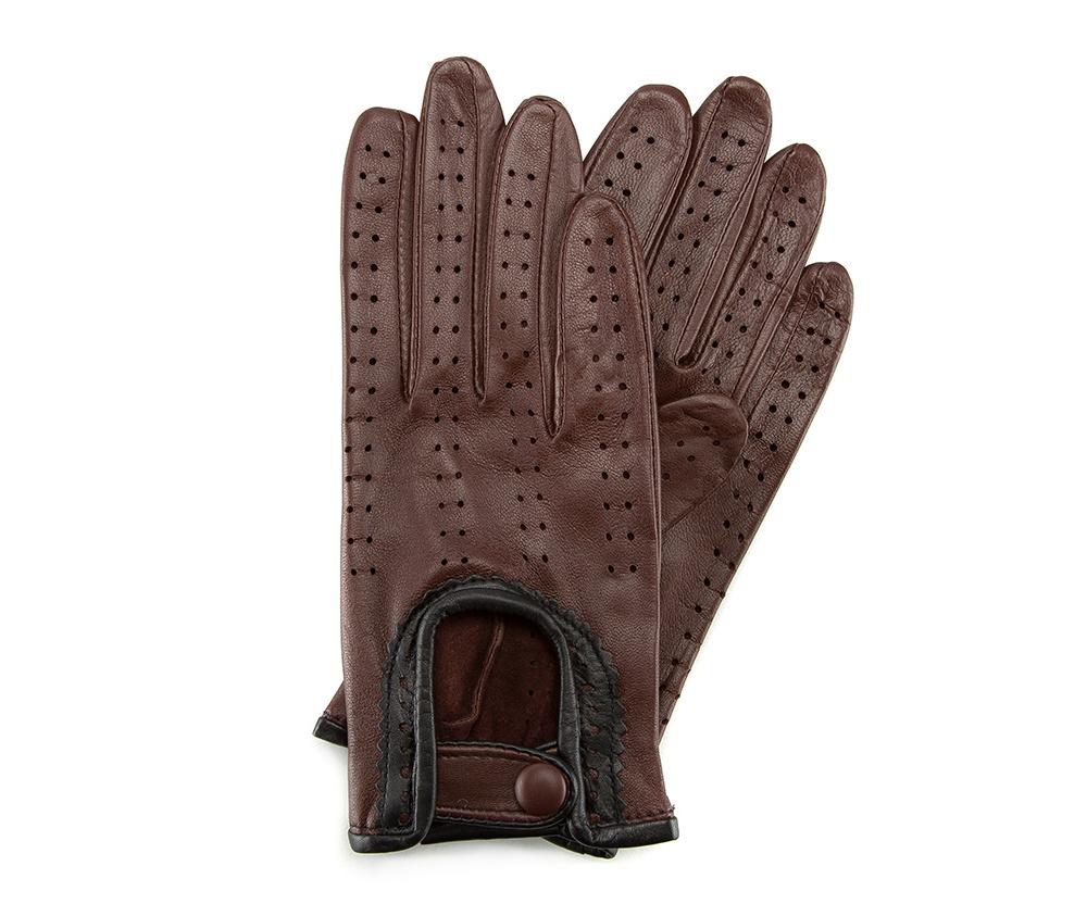 Перчатки женские автомобильныеЖенские автомобильные перчатки, изготовлены из натуральной кожи высокого качества. Эта модель не только практична, но и очень привлекательна. Интересная отделка делает перчатки очень элегантными и женственными. Их дополнительным преимуществом является кнопка, облегчающая надевание.       Размер  V  S  M  L  XL      Длина (cм)  19,5  20  20,5  21  21,5      Ширина (cм)  8  8,5  9  9,5  10      Длина среднего палеца (cм)  7,5  8  8,5  9  9,5<br><br>секс: женщина<br>Цвет: коричневый<br>Размер INT: M<br>вид:: автомобильные<br>материал:: Натуральная кожа