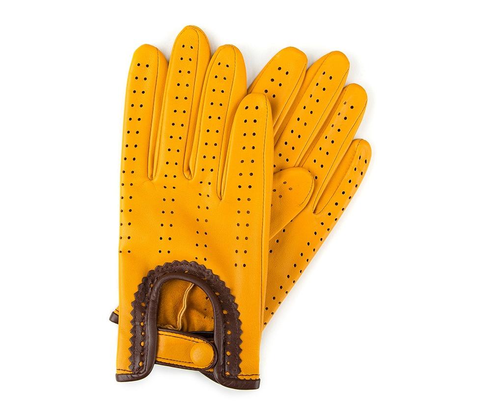Перчатки женские автомобильныеЖенские автомобильные перчатки, изготовлены из натуральной кожи высокого качества. Эта модель не только практична, но и очень привлекательна. Интересная отделка делает перчатки очень элегантными и женственными. Их дополнительным преимуществом является кнопка, облегчающая надевание.       Размер  V  S  M  L  XL      Длина (cм)  19,5  20  20,5  21  21,5      Ширина (cм)  8  8,5  9  9,5  10      Длина среднего палеца (cм)  7,5  8  8,5  9  9,5<br><br>секс: женщина<br>Цвет: желтый<br>Размер INT: S<br>вид:: автомобильные<br>материал:: Натуральная кожа