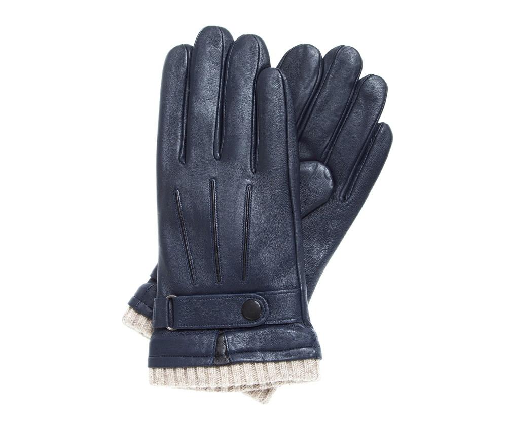 Перчатки мужскиеУтепленные мужские перчатки изготовлены из высококачественной натуральной кожи. Эта модель имеет ремешок c застежкой, который позволяет регулировать объем перчаток. Модель привлекает точностью исполнения и  высоким качеством материалов.<br><br>секс: мужчина<br>Цвет: синий<br>Размер INT: V<br>вид:: утепленные<br>материал:: Натуральная кожа<br>подкладка:: polar