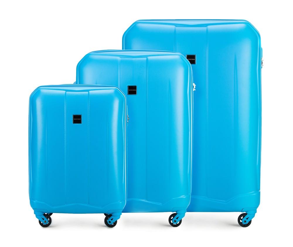 Комплект чемодановКомплект чемоданов из коллекции Summer Line II выполнен из прочного и устойчевого к царапинам ABS пластика. Модель оснащена четырьмя прочными колесиками, двухступенчатой выдвижной ручкой и кодовым замком. Внутри: отделение с эластичными ремнями, предохраняющими одежду от перемещения; дополнительно основное отделение оснащено перегородкой на молнии с карманом из сетки на молнии; карман - сетка на молнии; отделение на молнии. В состав комплекта входят:    Маленький чемодан  56-3A-261;  Средний чемодан  56-3A-262;  Большой чемодан  56-3A-263.    *Указанные размеры включают в себя также выступающие элементы, такие как ручки или колеса.<br><br>секс: унисекс<br>Цвет: голубой<br>материал:: Поликарбонат<br>высота (см):: 55 - 66 - 76<br>ширина (см):: 39 - 46 - 53<br>глубина (см):: 20 - 26 - 28<br>размер:: комплект<br>объем (л):: 34 - 65 - 94<br>вес (кг):: 2.7 - 3.6 - 4.3<br>Комплекты: так