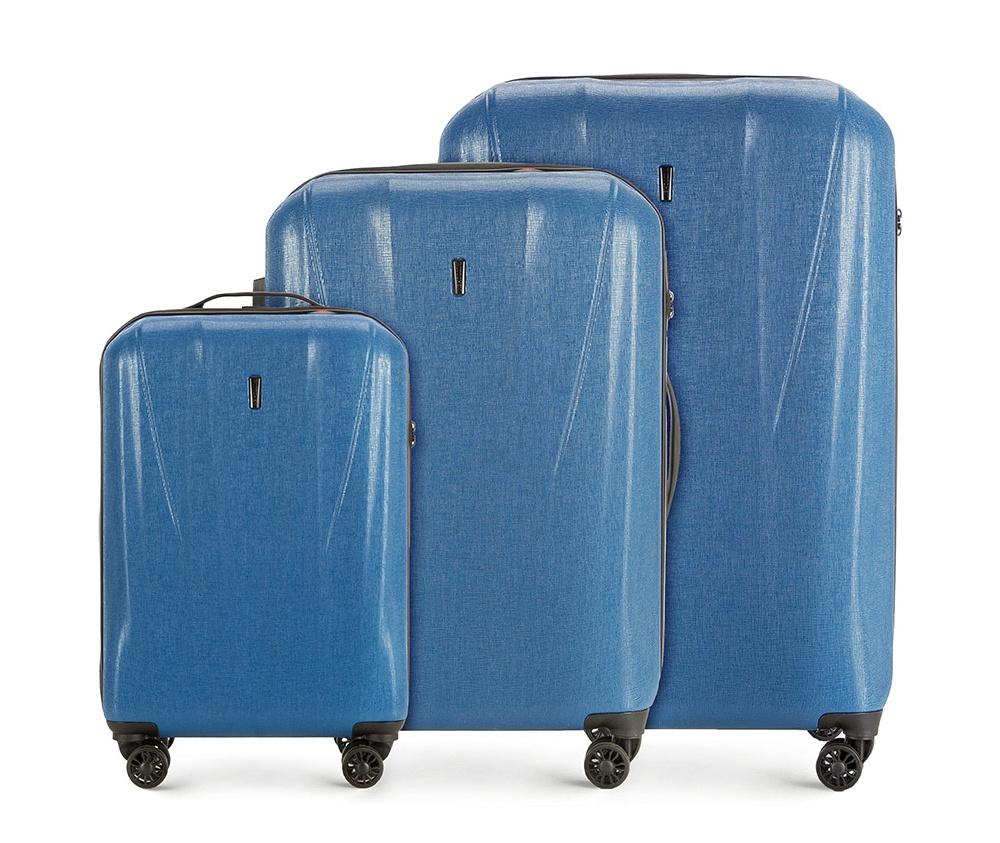 Комплект чемоданов Wittchen 56-3P-96S-90, голубойКомплект чемоданов<br><br>секс: унисекс<br>Цвет: голубой<br>материал:: Поликарбонат<br>высота (см):: 57 - 68 - 78<br>ширина (см):: 36 - 44 - 52<br>глубина (см):: 20 - 25 - 29<br>размер:: комплект<br>объем (л):: 33 - 60 - 95<br>вес (кг):: 2.5 - 2.9 - 3.7<br>Комплекты: так