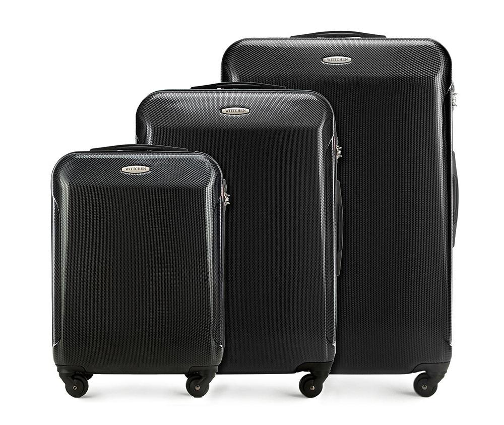 Комплект чемодановКомплект чемоданов из коллекции Stroll Line, выполнена из прочного поликарбоната. Модель оснащена четырьмя колесиками, телескопической ручкой, эластичной прорезиненной ручкой и  кодовым замком TSA.   Маленький чемодан соответствует требованиям  ручной клади.  Особенности модели:    отделение с эластичными ремнями, предохраняющими одежду от перемещения;  отделение на молнии; карман на молнии.    В комплект входит:    Маленький чемодан   56-3P-971  Средний чемодан   56-3P-972  Большой чемодан   56-3P-973  *Указанные размеры включают в себя также выступающие элементы, такие как ручки или колеса.<br><br>секс: унисекс<br>Цвет: черный<br>материал:: Поликарбонат<br>подкладка:: полиэстр<br>высота (см):: 54 - 67 - 77<br>ширина (см):: 38 - 44 - 51<br>глубина (см):: 20 - 24 -29<br>размер:: комплект<br>объем (л):: 33 - 58 - 97<br>вес (кг):: 2.4 - 3.2 - 4.0<br>Комплекты: так