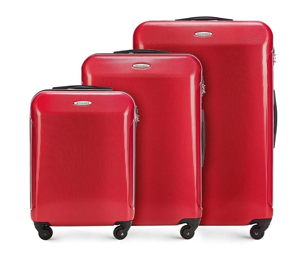 Комплек чемодановКомплект чемоданов из коллекции Stroll Line, выполнена из прочного поликарбоната. Модель оснащена четырьмя колесиками, телескопической ручкой, эластичной прорезиненной ручкой и  кодовым замком TSA.   Маленький чемодан соответствует требованиям  ручной клади.  Особенности модели:    отделение с эластичными ремнями, предохраняющими одежду от перемещения;  отделение на молнии; карман на молнии.    В комплект входит:    Маленький чемодан   56-3P-971  Средний чемодан   56-3P-972  Большой чемодан   56-3P-973  *Указанные размеры включают в себя также выступающие элементы, такие как ручки или колеса.<br><br>секс: унисекс<br>материал:: Поликарбонат<br>подкладка:: полиэстр<br>высота (см):: 54 - 67 - 77<br>ширина (см):: 38 - 44 - 51<br>глубина (см):: 20 - 24 -29<br>размер:: комплект<br>объем (л):: 33 - 58 - 97<br>вес (кг):: 2.4 - 3.2 - 4.0<br>Комплекты: так