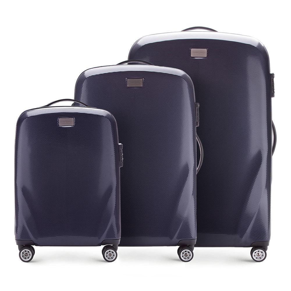Комплект чемодановКомплект чемоданов из коллекции PC Ultra Light., изготовлен из прочного материала - поликарбонат.  Дополнительно покрыт специальным покрытием, повышающим устойчивость к царапинам.  Имеет 4 колесика сделанные из пластика ABS с термопластичным покрытием, трехступенчатая выдвижная ручка, прорезиненная ручка для ношения в руке.  Дополнительно кодовый замок TSA, который гарантирует безопасное открытие чемоданов и его повторное закрытие без повреждения замка сотрудниками таможни.  Особенности модели:  отделение с эластичными ремнями, предохраняющими одежду от перемещения; отделение на молнии;  2 кармана из сетки на молнии.    В состав комплекта входят:    Маленький чемодан  на колесах 56-3P-571  средний чемодан на колесах 56-3P-572  большой чемодан на колесиках 56-3P-573<br><br>секс: унисекс<br>Цвет: синий<br>материал:: Поликарбонат<br>подкладка:: полиэстер<br>высота (см):: 56 - 68 - 79<br>ширина (см):: 37 - 46 - 53<br>глубина (см):: 20 - 23 - 27<br>размер:: комплект<br>объем (л):: 32 - 63 - 95<br>вес (кг):: 2,3 - 3,2 - 3,7<br>Комплекты: так