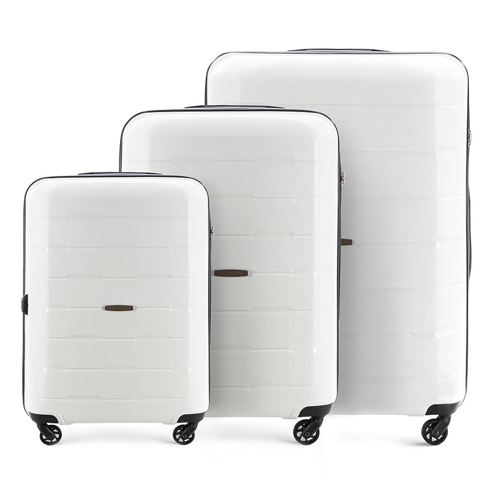 Комплект чемодановЧемодан больших размеров  из коллекции Speedster из полипропилена.  Имеет четыре колесика, облегчающие управление, телескопическую алюминиевую и  2 дополнительные прорезиненные  ручки.  Привлекательный дизайн и функциональность чемодана понравится каждому любителю путешествий. Дополнительно замоком TSA, который очень удобен  в случае проверки багажа таможенной службой. Особенности модели:  основное отделение с эластичными ремнями, предохраняющими одежду от перемещения;  отделение на молнии;  карман - сетка на молнии. В состав комплекта входят: Маленький чемодан на колесах 56-3T-721; Средний чемодан на колесах 56-3T-722; Большой чемодан на колесах 56-3T-723.<br><br>секс: унисекс<br>Цвет: белый<br>материал:: Полипропилен<br>высота (см):: 55 - 68 - 78<br>ширина (см):: 38 - 46 - 55<br>глубина (см):: 20 -26 -31<br>размер:: комплект<br>вес (кг):: 2,6 - 3,6 - 4,1<br>объем (л):: 29 - 61 - 101<br>Комплекты: так