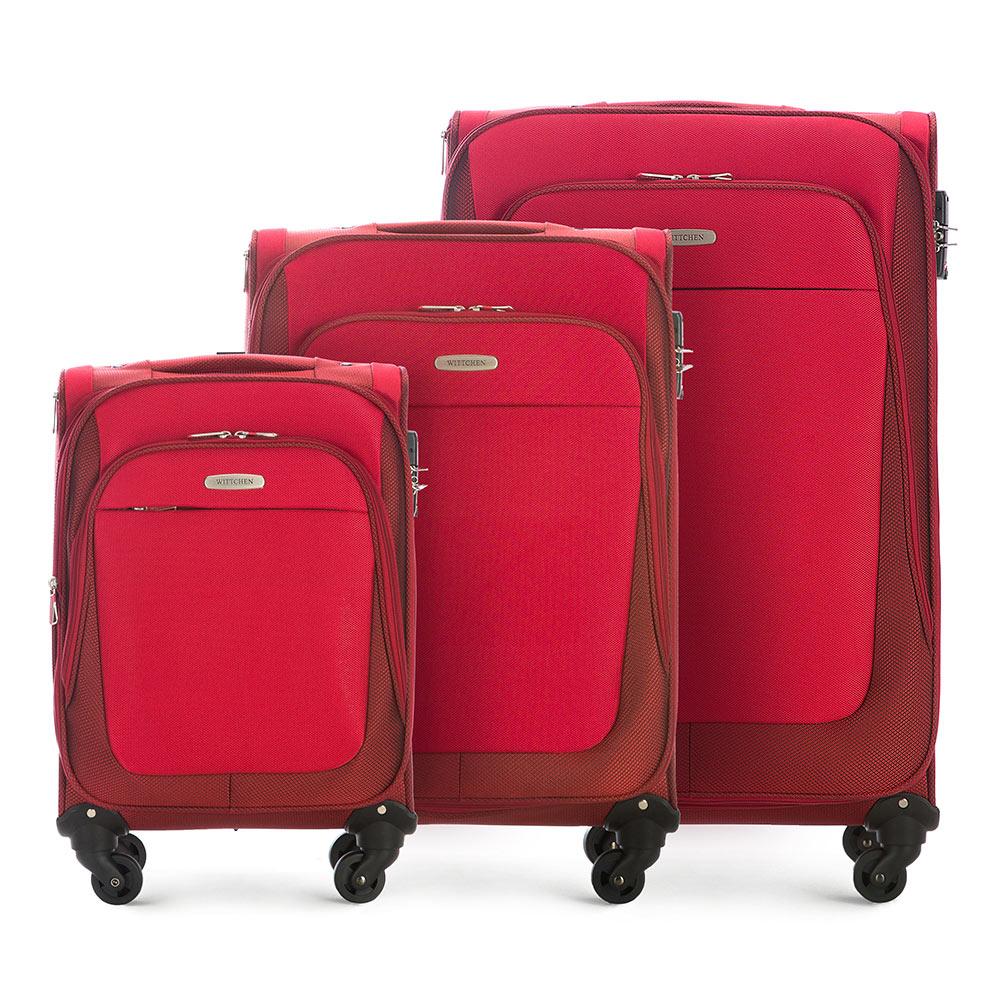 Комплект чемодановКомплект легких и вместительных чемоданов  из коллекции Travel Light. Каждый чемодан оснащен  четырьмя прочными колесиками, которые позволяют легко перемещать чемодан,телескопической ручкой, функциональными карманами на лицевой стороне и дополнительной, боковой ручкой для удобного подъема багажа. Дополнительно замоком TSA, который гарантирует безопасное открытие чемоданов и его повторное закрытие без повреждения замка сотрудниками таможни. Особенности модели:  основное отделение с регулируемыми ремнями;  карман из сетки на молнии;  карман для документов на молнии.    Снаружи:    с лицевой стороны 2 кармана на молнии;  молния, позволяющая увеличить размер чемодана на 6см;  боковой карман на молнии.     В состав комплекта входят:    Маленький чемодан  на колесах 56-3S-481  средний чемодан на колесах 56-3S-482 большой чемодан на колесиках 56-3S-483<br><br>секс: женщина<br>материал:: Полиэстер<br>подкладка:: полиэстер<br>высота (см):: 55- 65 - 75<br>ширина (см):: 35 - 40 - 46<br>глубина (см):: 23- 28 - 35<br>размер:: комплект<br>вес (кг):: 2,8 - 3,3 - 3,9<br>объем (л):: 35 - 60 - 95<br>Комплекты: так