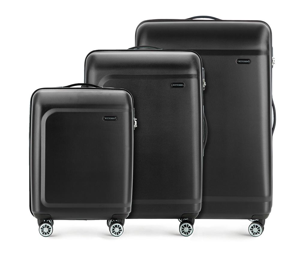 Комплект чемодановКомплект чемоданов из коллекции TP-Power изготовлен из термопластичного полимера - инновационного материала, который характеризуется высокой прочностью.Имеет четыре поворотных колеса,подножку для стабилности, телескопическую ручку и дополнительную ручку, облегчающие перемещение багажа. В состав комплекта входят: Маленький чемодан на колесах 56-3H-511 средний, чемодан на колесах 56-3H-512, большой чемодан на колесиках 56-3H-513. Внутри: - основное отделение на молнии с регулируемыми ремнями, которые предохраняют одежду от перемещения; - карман -сетка на молнии; - два кармана на молнии.<br><br>секс: унисекс<br>Цвет: черный<br>материал:: Полимер<br>подкладка:: полиэстер<br>высота (см):: 54 - 67 - 77<br>ширина (см):: 39 - 45 - 51<br>глубина (см):: 19 - 26 - 29<br>размер:: комплект<br>вес (кг):: 2,6 - 3,4 - 4,7<br>объем (л):: 31 - 62 - 91<br>Комплекты: так