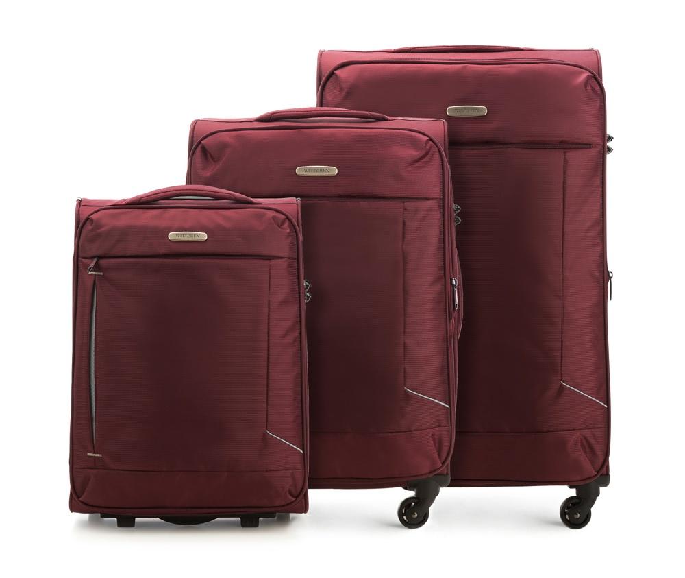 Комплект чемодановКомплект чемоданов из коллекции Bon Voyage выполнена из полиэстр. Оснащен четырьмя колесами , телескопической  ручкой, эластичная резиновая ручка для для удобства передвижения чемодана  и замок TSA , который гарантирует безопасное открытие чемоданов и его повторное закрытие без повреждения замка сотрудниками таможни. Чемодан соответствует требованиям ручной клади.   Внутри :    основное отделение на молнии с  регулируемыми ремнями, предохраняющими одежду от перемещения;   карман -сетка на молнии.    Снаружи:    с лицевой стороны карман на молнии .   В комплект входит :    Маленький чемодан: 56-3S-471  Средний чемодан; 56-3S-472  Большой чемодан; 56-3S-473<br><br>секс: унисекс<br>Цвет: красный<br>материал:: Полиэстер<br>подкладка:: полиэстр<br>высота (см):: 53 - 66 - 78<br>ширина (см):: 38 - 41 - 47<br>глубина (см):: 20 - 27 - 31<br>размер:: комплект<br>объем (л):: 32 - 57 - 91<br>вес (кг):: 2.1 - 2.6 - 3.1<br>Комплекты: так
