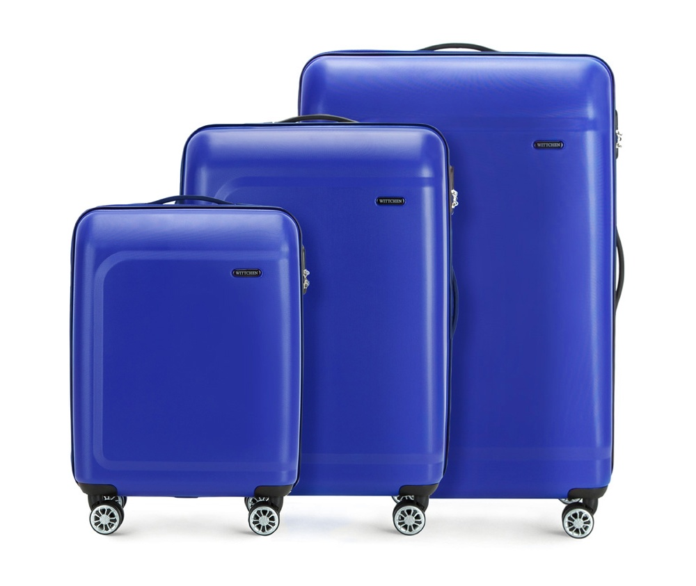 Комплект чемодановКомплект чемоданов из коллекции TP-Power изготовлен из термопластичного полимера - инновационного материала, который характеризуется высокой прочностью.Имеет четыре поворотных колеса,подножку для стабилности, телескопическую ручку и дополнительную ручку, облегчающие перемещение багажа. В состав комплекта входят: Маленький чемодан на колесах 56-3H-511 средний, чемодан на колесах 56-3H-512, большой чемодан на колесиках 56-3H-513.Внутри:- основное отделение на молнии с регулируемыми ремнями, которые предохраняют одежду от перемещения;- карман -сетка на молнии;- два кармана на молнии.<br><br>секс: унисекс<br>Цвет: синий<br>материал:: Полимер<br>подкладка:: полиэстер<br>высота (см):: 54 - 67 - 77<br>ширина (см):: 39 - 45 - 51<br>глубина (см):: 19 - 26 - 29<br>размер:: комплект<br>вес (кг):: 2,6 - 3,4 - 4,7<br>объем (л):: 31 - 62 - 91<br>Комплекты: так