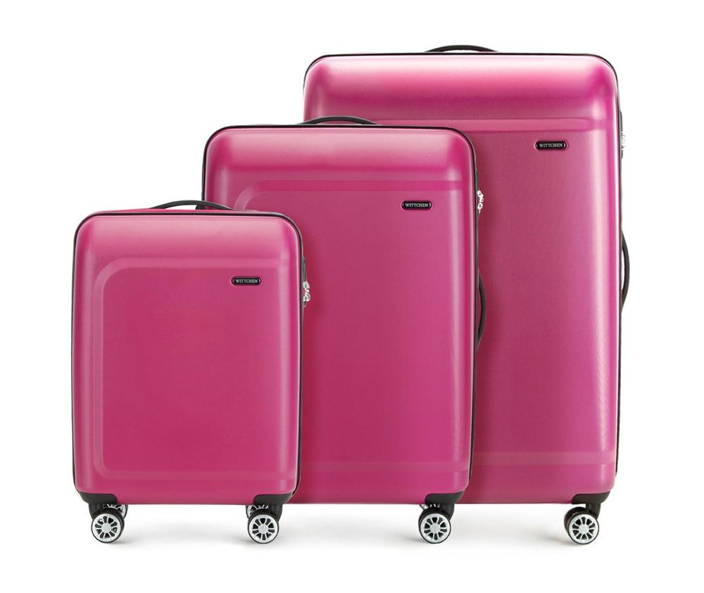 Комплект чемодановКомплект чемоданов из коллекции TP-Power изготовлен из термопластичного полимера - инновационного материала, который характеризуется высокой прочностью.Имеет четыре поворотных колеса,подножку для стабилности, телескопическую ручку и дополнительную ручку, облегчающие перемещение багажа. В состав комплекта входят: Маленький чемодан на колесах 56-3H-511 средний, чемодан на колесах 56-3H-512, большой чемодан на колесиках 56-3H-513. Внутри: - основное отделение на молнии с регулируемыми ремнями, которые предохраняют одежду от перемещения; - карман -сетка на молнии; - два кармана на молнии.<br><br>секс: унисекс<br>Цвет: розовый<br>материал:: Полимер<br>подкладка:: полиэстер<br>высота (см):: 54 - 67 - 77<br>ширина (см):: 39 - 45 - 51<br>глубина (см):: 19 - 26 - 29<br>размер:: комплект<br>вес (кг):: 2,6 - 3,4 - 4,7<br>объем (л):: 31 - 62 - 91<br>Комплекты: так