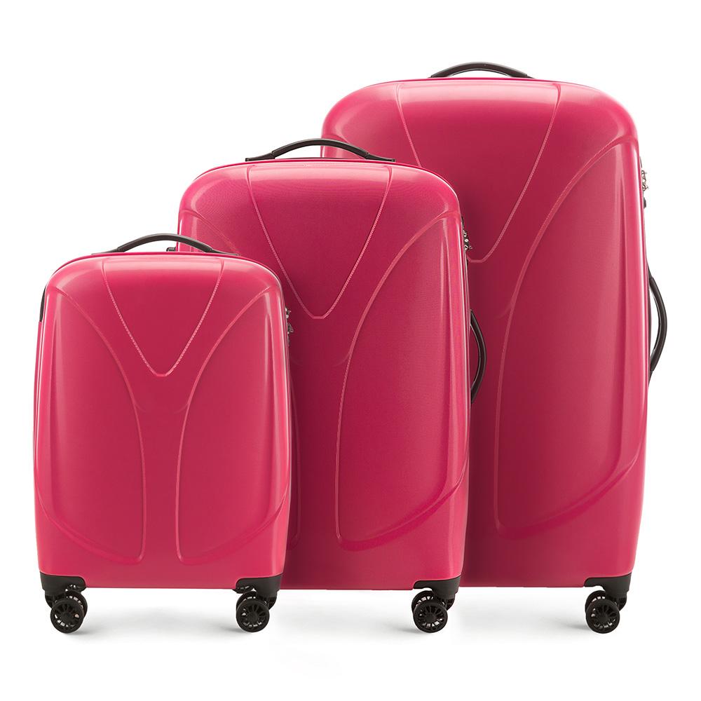 Комплект чемодановКомплект чемоданов из коллекции  V-Line, сделан из прочного   материала - поликарбонат. Оснащен четырьмя колесами,   телескопической ручкой, эластичной резиновой ручкой для   ношения в руке и замоком TSA.&#13;<br>&#13;<br>Внутри : &#13;<br>- отделение с эластичными  ремнями, предохраняющими одежду от перемещения;  &#13;<br>- отделение на молнии;   &#13;<br>- карман на молнии.&#13;<br>&#13;<br>В комплект входит:&#13;<br>- маленький чемодан 56-3P-951;&#13;<br>- средний чемодан 56-3P-952 ;&#13;<br>- большой чемодан 56-3P-953.<br><br>секс: женщина<br>подкладка:: poliester<br>высота (см):: 56 - 70 - 79,5<br>ширина (см):: 38 - 46 - 53<br>глубина (см):: 20,5 - 25 - 28<br>размер:: zestaw<br>объем (л):: 34 - 59 - 87<br>вес (кг):: 2,4 - 3,1 - 3,9