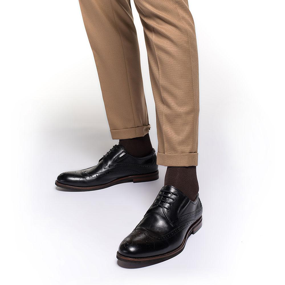 Męskie brogsy skórzane z gumką, czarny, 91-M-905-1-41, Zdjęcie 1
