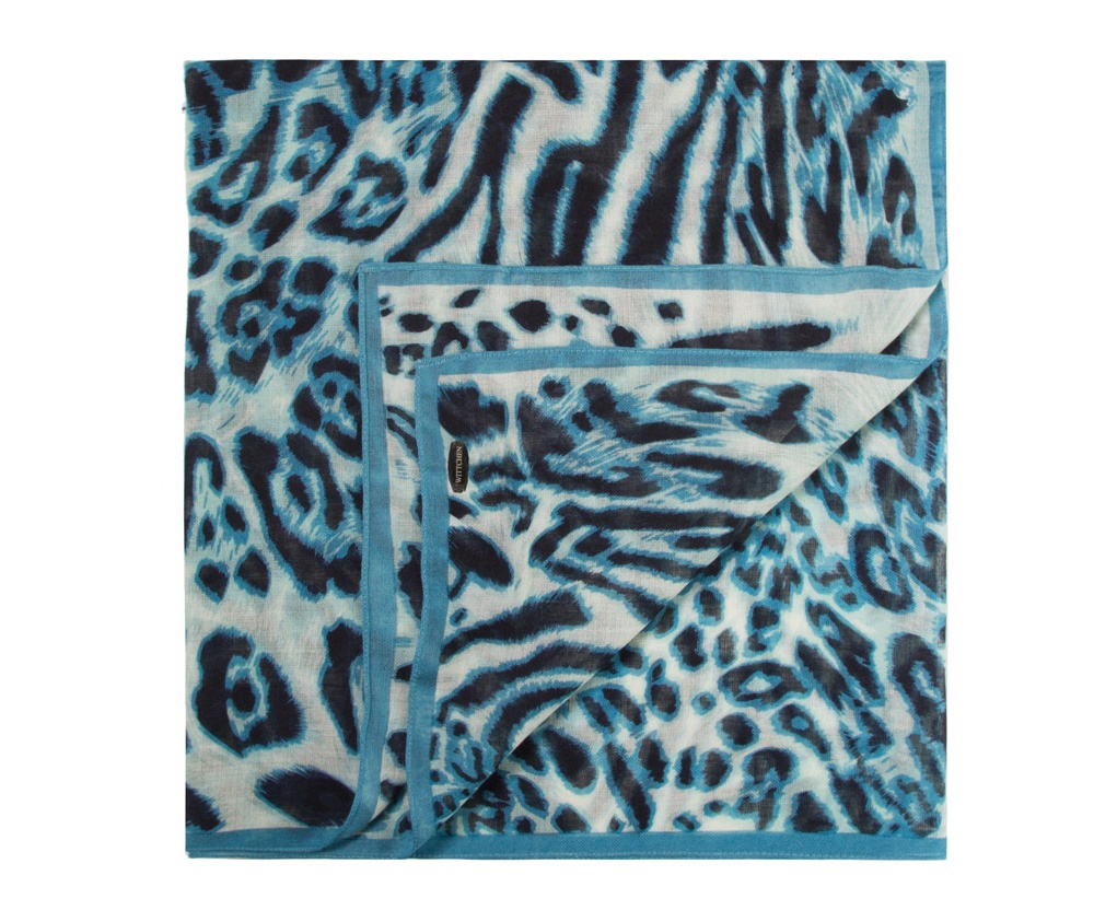 Платок женскийШарф женский выполнен из материалов высокого качества. Тонкий, приятный на ощупь материал обеспечивает воздушность и одновременно защищает от холода. Эта модель, несомненно, станет неотъемлемым элементом Вашего гардероба.<br><br>секс: женщина<br>Цвет: голубой<br>материал:: Шерсть