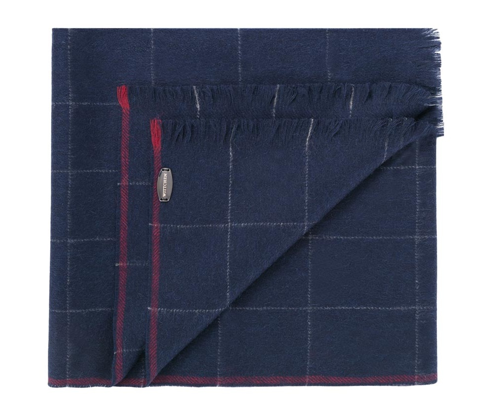 Шарф мужскойМужской шарф выполнен из высококачественной шерсти. Благодаря классическому крою и отделки в виде бахромы, модель сочетается с разнообразными стилями.<br><br>секс: мужчина<br>Цвет: синий<br>материал:: Шерсть<br>ширина (см):: 30