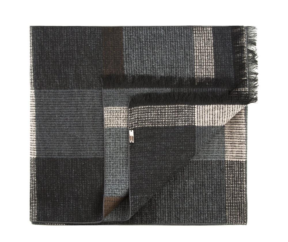 Шарф мужскойМужской шарф  из шелка с знаком наивысшего качества King Silk.Благородный материал обеспечивает комфорт и делает мужской образ более изящным и привлекательным.<br><br>секс: мужчина<br>Цвет: черный<br>материал:: Шелк<br>высота (см):: 178<br>ширина (см):: 31