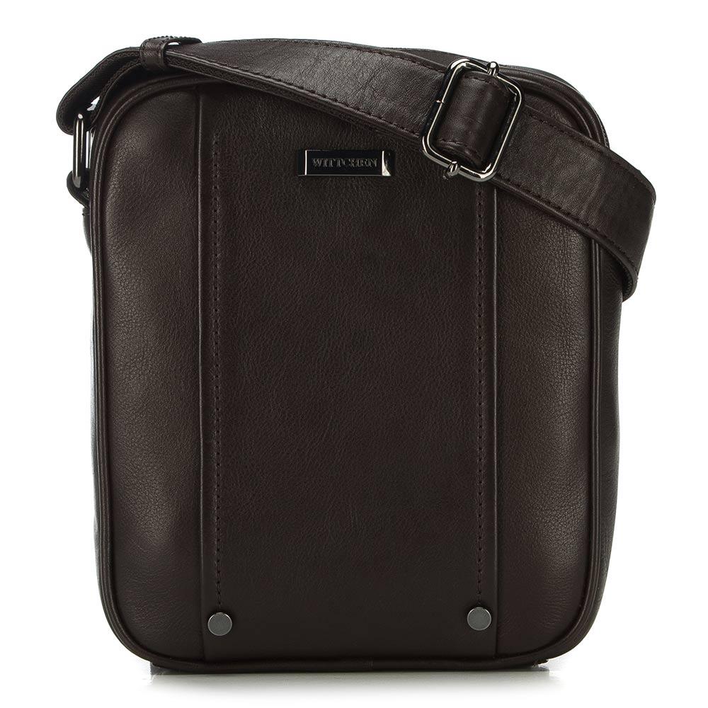 Hnedá kožená taška na rameno.