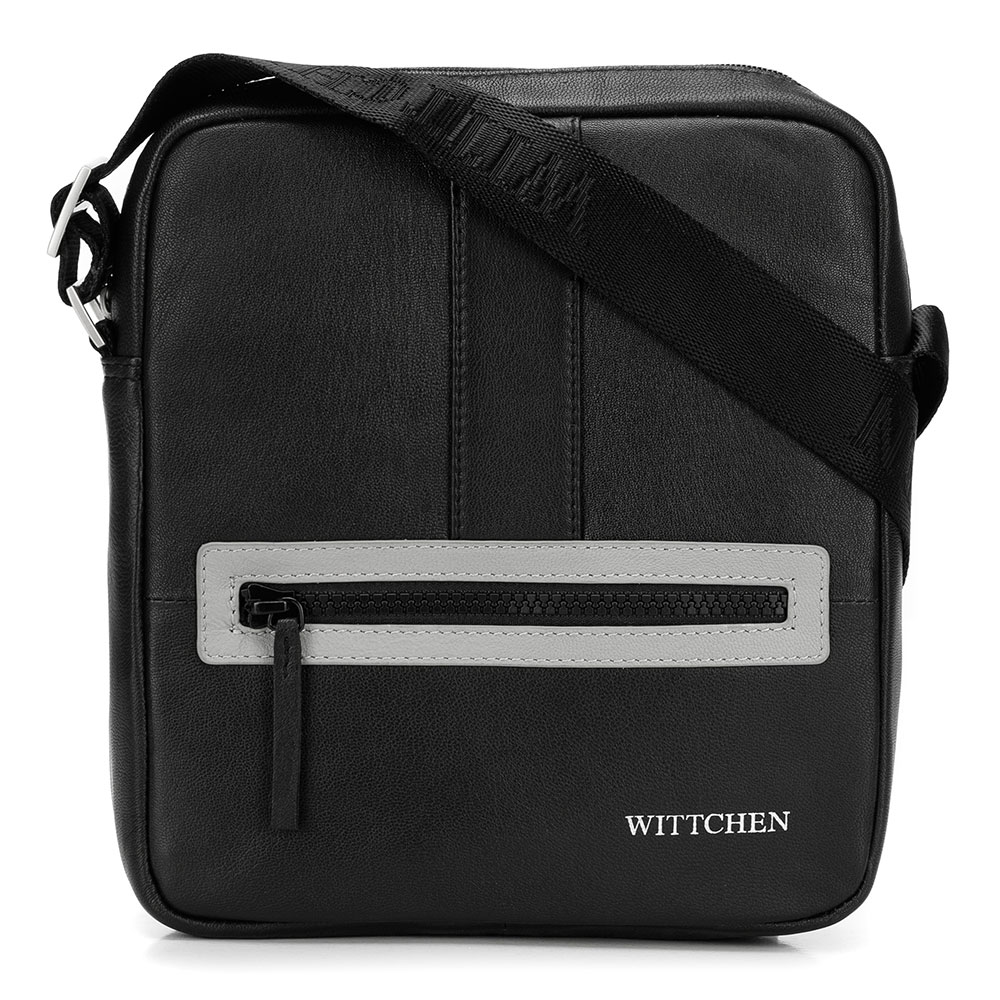 Jednoduchá kožená taška na rameno.