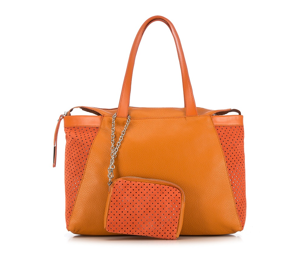 Женская сумкаЖенская сумка из коллекции Elegance 2016&#13;<br>Основное  отделение на молнии. &#13;<br>Дополнительно съемная косметичка размером 13 см x 17 см x 2 см.<br><br>секс: женщина<br>Цвет: оранжевый<br>материал:: натуральная кожа<br>высота (см):: 26<br>ширина (см):: 39 - 47<br>глубина (см):: 9<br>общая высота (см):: 49