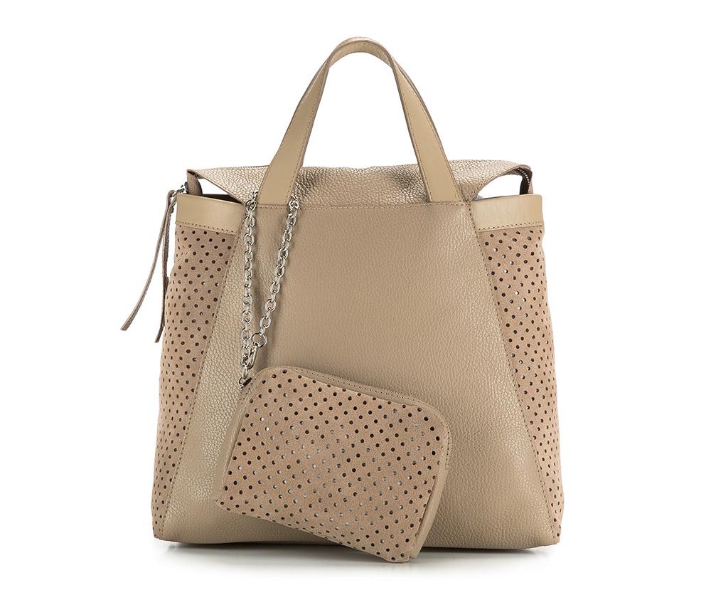 Женская сумкаЖенская сумка из коллекции Elegance 2016&#13;<br>Основное  отделение на молнии. &#13;<br>Дополнительно съемная косметичка размером 12 см x 16 см x 3 см. Съемный плечевой ремень.<br><br>секс: женщина<br>Цвет: бежевый<br>материал:: натуральная кожа<br>высота (см):: 27<br>ширина (см):: 32<br>глубина (см):: 12<br>общая высота (см):: 40