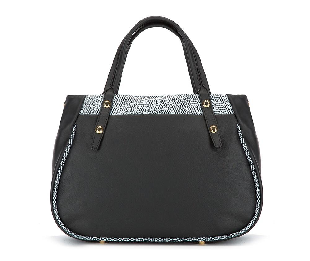 Женская сумкаЖенская сумка из коллекции Elegance 2016&#13;<br>Основное  отделение   на молнии. Внутри сумки отделение на молнии, открытый карман для мелких   предметов и отделение для мобильного телефона. Дно сумки защищено   металлическими ножками. Дополнительно съемный плечевой ремень с   регулируемой длиной.<br><br>секс: женщина<br>Цвет: черный<br>материал:: натуральная кожа<br>длина плечевого ремня (cм):: 100 - 111<br>высота (см):: 22<br>ширина (см):: 27 - 32<br>глубина (см):: 13<br>общая высота (см):: 34