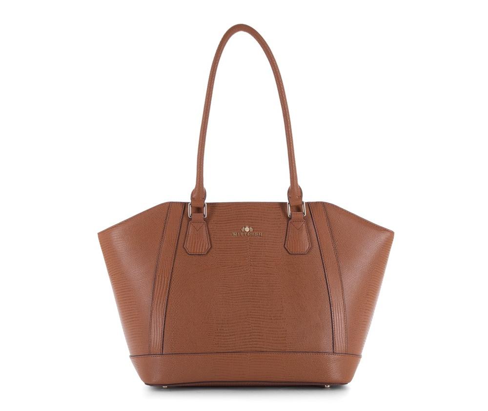Женская сумкаЖенская сумка из коллекции Elegance&#13;<br>Основной отдел застегивается на молнию. Внутри двакармана на молнии, открытый карман для мелких предметов и отделение для мобильного телефона. Дно сумки защищено металлическими ножками.<br><br>секс: женщина<br>Цвет: коричневый<br>вмещает формат А4: поместит формат А4<br>материал:: Натуральная кожа<br>высота (см):: 24 - 28<br>ширина (см):: 31 - 45<br>глубина (см):: 14<br>общая высота (см):: 53<br>длина ручки/ек (см):: 67