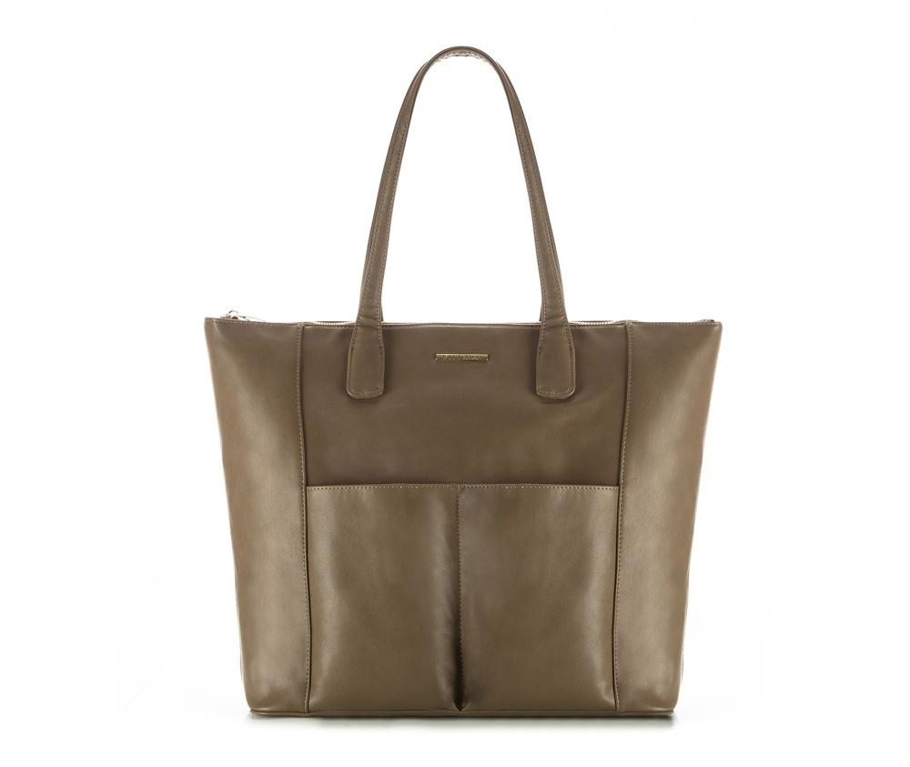 Женская сумкаЖенская сумка из коллекции E-BAG E-BAG представляет собой сочетание классического стиля и современных решений.Внутри  специальные перегородки для аксессуаров, которые позволяют сохранить  порядок внутри сумки. Основное отделение закрывается на молнию.Внутри  карман для устройств с максимальными размерами: 19 см x 27 см, карман на  молнии, отделение для мобильного телефона, карман для наушников, 2  места для ручек и карман для блока питания.Дополнительно спереди два открытых кармана для мелких предметов.<br><br>секс: женщина<br>Цвет: зеленый<br>материал:: Экокожа<br>ширина (см):: 41 - 47<br>высота (см):: 37.5<br>глубина (см):: 15.5<br>длина ручки/ек (см):: 65