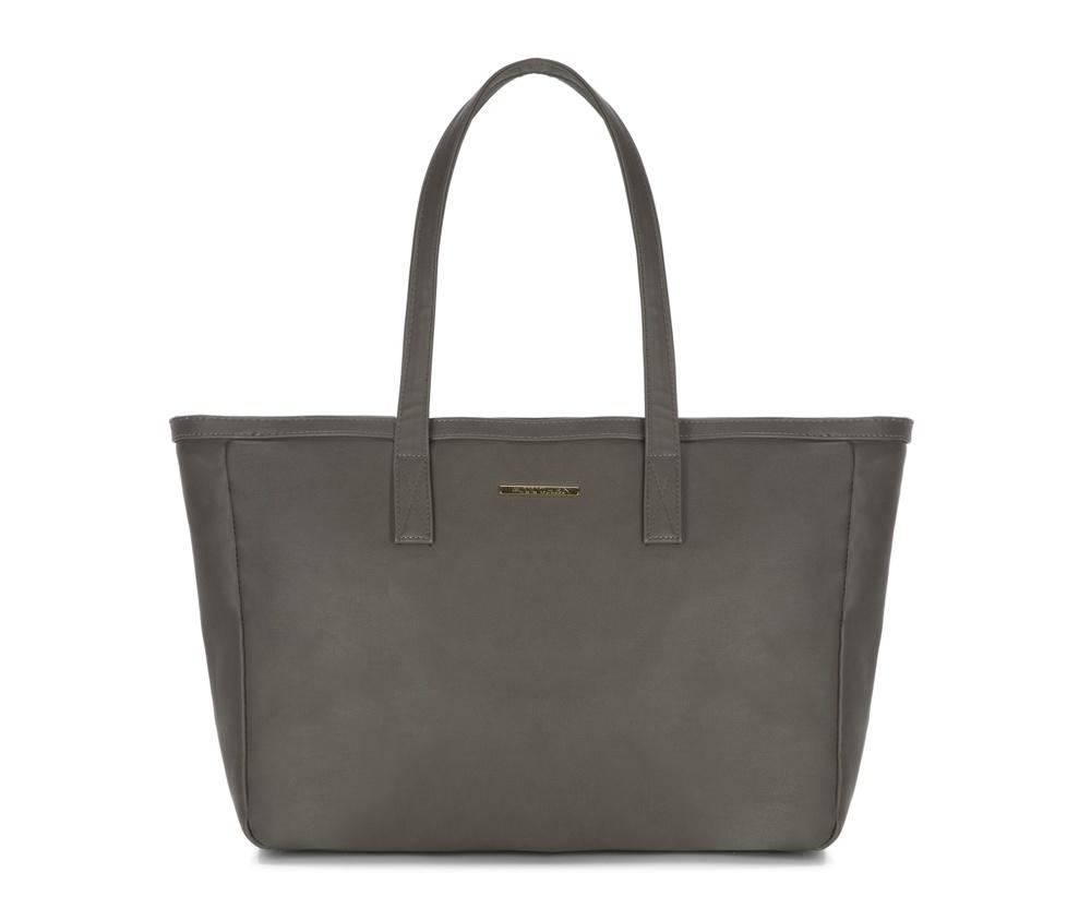 Женская сумкаЖенская сумка из коллекции E-BAG&#13;<br>E-BAG представляет собой сочетание классического стиля и современных решений. Кроме того, интересные цвета подкладки придает сумке оригинальный вид.&#13;<br>Внутри специальные перегородки  для аксессуаров, которые позволяют сохранить порядок внутри сумки.  &#13;<br>Основное отделение закрывается на молнию. Внутри  карман для устройств с максимальными размерами: 23 см x 38 см, карман на  молнии, отделение для мобильного телефона, карман для наушников, 2  места для ручек и карман для элементов питания. &#13;<br>По бокам два  открытых кармана для мелких предметов.Дополнительно прилагается съемный, регулируемый ремень.<br><br>секс: женщина<br>Цвет: серый<br>материал:: Экокожа<br>ширина (см):: 40 - 49<br>высота (см):: 30<br>глубина (см):: 13<br>размер:: поместит формат А4<br>длина ручки/ек (см):: 63