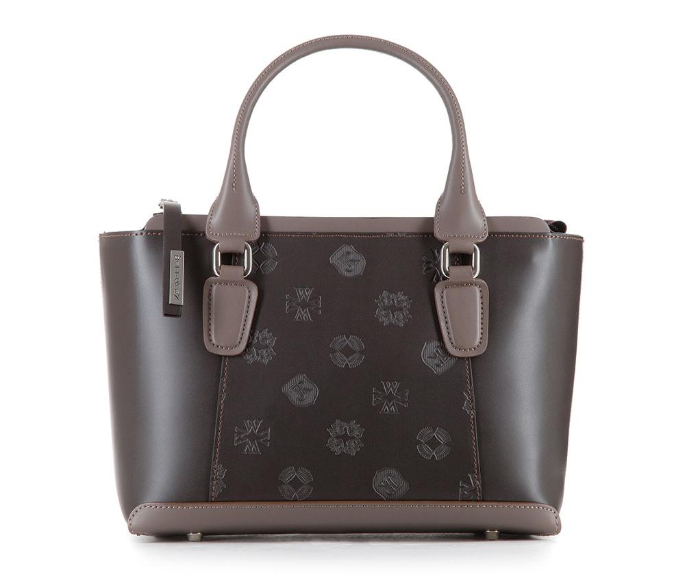 Женская сумкаЖенская сумка из коллекции EleganceОсновной отдел застегивается на молнию.Внутри карман на молнии, открытый карман для мелких предметов и отделение для мобильного телефона. Дно сумки защищено металлическими  ножками. Дополнительно прилагается съемный, регулируемый ремень<br><br>секс: женщина<br>Цвет: коричневый<br>материал:: Натуральная кожа<br>длина плечевого ремня (cм):: 93 - 107<br>высота (см):: 20<br>ширина (см):: 28.5 - 34<br>глубина (см):: 12<br>иное :: поместит формат А4<br>общая высота (см):: 34<br>длина ручки/ек (см):: 45