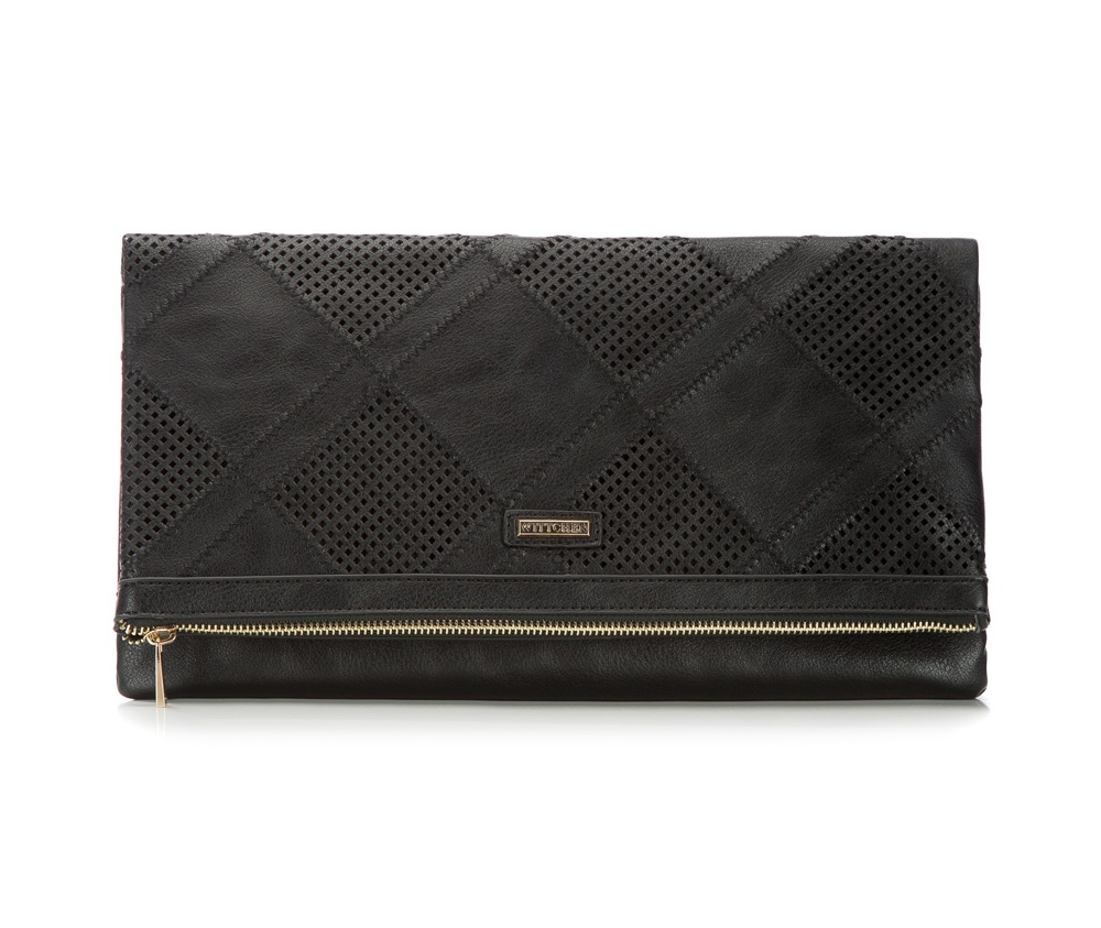 Женская сумкаЖенская сумка из коллекции Young&#13;<br>Основной отдел застегивается на молнию. Внутри отделение на молнии, открытый карман для мелких предметов и отделение для мобильного телефона. Дополнительно прилагается съемная цепочка.<br><br>секс: женщина<br>Цвет: черный<br>материал:: Экокожа<br>длина плечевого ремня (cм):: 125<br>высота (см):: 19.5<br>ширина (см):: 35<br>глубина (см):: 2