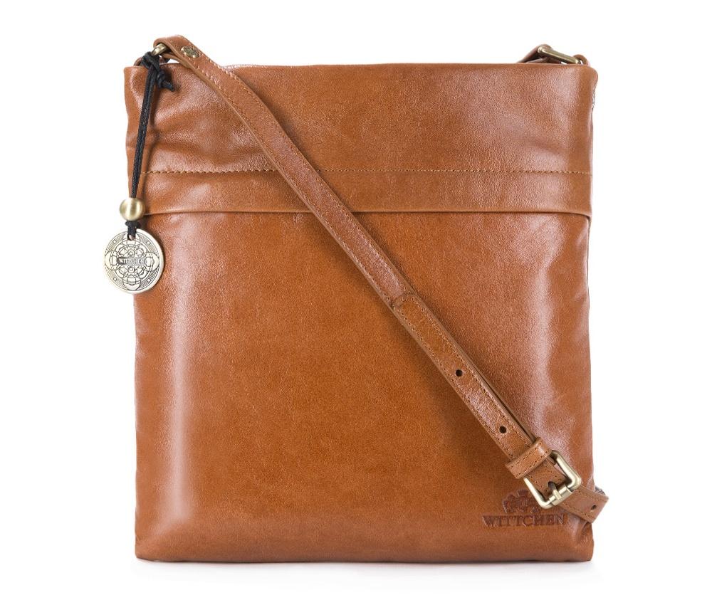 Кожаная сумкаЖенская сумка с основным отделением на молнии. Внутри карман на молнии, открытый карман для мелких предметов и отделение для мобильного телефона. С лицевой стороны карман на молнии. Возможность ругулирования длины ремня.<br><br>секс: женщина<br>Цвет: коричневый<br>материал:: Натуральная кожа<br>описание материала :: глянцевый<br>тип:: через плечо<br>высота (см):: 25<br>ширина (см):: 27<br>глубина (см):: 7<br>вмещает формат А4: нет<br>вес (кг):: 0,3