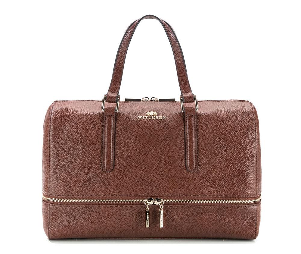 Женская сумкаЖенская сумка из коллекции Elegance.&#13;<br>Основной отдел застегивается на молнию. Внутри 2 кармана на молнии, открытый карман для мелких предметов и отделение для мобильного телефона. Дно сумки защищено металлическими ножками. Дополнительно прилагается съемный, регулируемый ремень.<br><br>секс: женщина<br>Цвет: коричневый<br>вмещает формат А4: поместит формат А4<br>материал:: Натуральная кожа<br>длина плечевого ремня (cм):: 109 - 122<br>высота (см):: 27<br>ширина (см):: 34<br>глубина (см):: 11<br>общая высота (см):: 40<br>длина ручки/ек (см):: 38