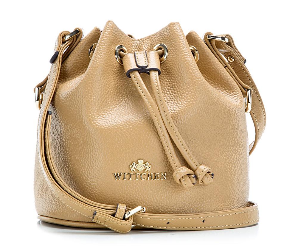 Сумка ELEGANCEСумка из коллекции Elegance. Открытое основное отделение. Внутри карман на молнии и открытый карман для мелких предметов.Дополнительно регулируемый ремень.<br><br>секс: женщина<br>Цвет: бежевый<br>материал:: Натуральная кожа<br>высота (см):: 19<br>ширина (см):: 18<br>глубина (см):: 13<br>вес (кг):: 0.1