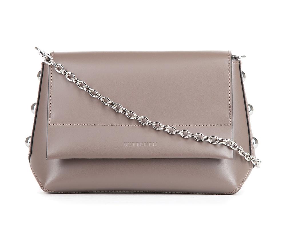 Женская сумкаЖенская сумка из коллекции Elegance&#13;<br>Открытое основное отделение, внутри карман на молнии. Закрывается клапаном на магните. Дополнительно съемная цепочка.<br><br>секс: женщина<br>Цвет: бежевый<br>материал:: Натуральная кожа<br>высота (см):: 13<br>ширина (см):: 19<br>глубина (см):: 7.5<br>длина ручки/ек (см):: 135