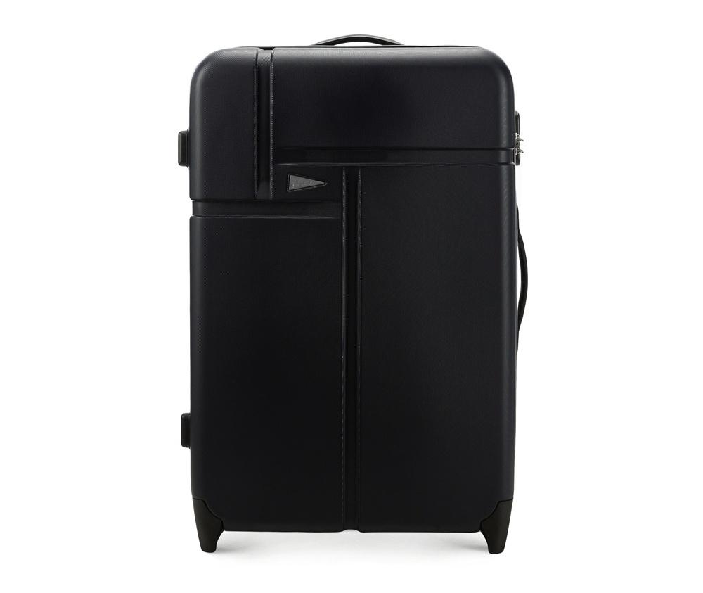 Чемодан на колесиках 27\\Большой чемодан марки VIP Collection. Изготовлен из высокопрочного пластика ABS. Имеет два колесика, выдвижную ручку и резиновую ручку для облегчения передвижения чемодана. Дополнительно  защита в виде кодового замка, предотвращего нежелательный доступ к Вашим вещам.  Внутри:     основное отделение  с эластичными ремнями, предохраняющими одежду от перемещения;  отделение  на молнии;  карман - сетка на молнии.<br><br>секс: унисекс<br>Цвет: черный<br>подкладка:: полиэстр<br>высота (см):: 73<br>ширина (см):: 50<br>глубина (см):: 30<br>размер:: du?a<br>объем (л):: 95<br>вес (кг):: 4
