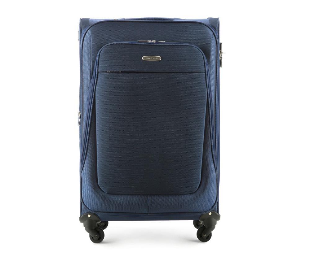 Чемодан на колёсиках  27\\Легкий и вместительный чемодан больших размеров  из коллекции Travel Light. Оснащен четырьмя прочными колесиками, которые позволяют легко перемещать чемодан,телескопической ручкой, функциональными карманами на лицевой стороне и дополнительной, боковой ручкой для удобного подъема багажа. Дополнительно замоком TSA, который гарантирует безопасное открытие чемоданов и его повторное закрытие без повреждения замка сотрудниками таможни. Особенности модели:   основное отделение с регулируемыми ремнями;  карман из сетки на молнии;  карман для документов на молнии.    Снаружи:    с лицевой стороны 2 кармана на молнии;  молния, позволяющая увеличить размер чемодана на 6см;  боковой карман на молнии.<br><br>секс: унисекс<br>Цвет: синий<br>материал:: Полиэстер<br>высота (см):: 77<br>ширина (см):: 46<br>глубина (см):: 35<br>размер:: большой<br>вес (кг):: 3.9<br>объем (л):: 95