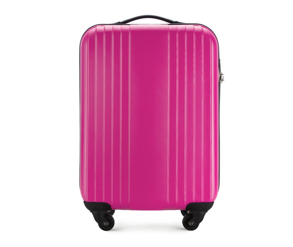 Чемодан на колесиках 18\\Маленький чемодан из коллекции Hardy Line, сделан из ударопрочного поликарбоната. Чемодан имеет 4 двойных колесика, двухступенчатую выдвижную алюминиевую ручку и две резиновые ручки: сверху и сбоку. Современный и оригинальный дизайн чемодана подчеркивает красная нить вплетенная в молнию. Чемодан имеет двойную молнию, функцию  \AntiTheft\, благодаря которой чемодан устойчив к нежелательному открытию острым предметом, кодовый замок с функцией TSA. Внутри: два отделения для одежды, один отдел фиксируется ремнями на застежку и второй закрывается на молнию; 2 сетчатых кармана на молнии.<br><br>секс: унисекс<br>Цвет: розовый