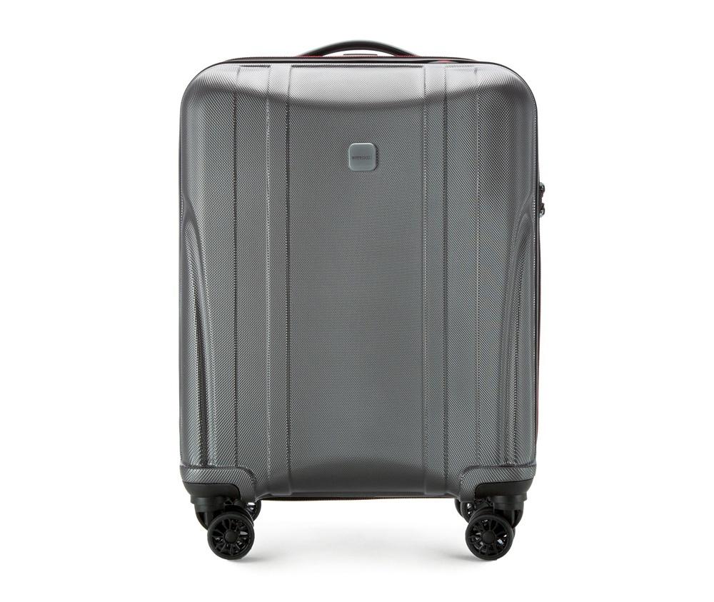 Чемодан на колёсиках 19\\ Wittchen 56-3P-911-00, графитМаленький чемодан из коллекции Power PC, сделан из ударопрочного поликарбоната. Чемодан имеет 4 двойных колесика, выдвижную алюминиевую ручку и резиновую ручку сверху. Современный и оригинальный дизайн чемодана, подчеркивает красная нить, вплетенная в молнию. Чемодан имеет двойную молнию, функцию  \\\AntiTheft\\\, благодаря которой чемодан устойчив к нежелательному открытию острым предметом, кодовый замок с функцией TSA.  Внутри:        два отделения для одежды, один отдел фиксируется ремнями на застежку и второй закрывается на молнию;      2 сетчатых кармана на молнии.<br><br>секс: унисекс<br>Цвет: серый<br>материал:: Поликарбонат<br>высота (см):: 55<br>ширина (см):: 40<br>глубина (см):: 20<br>размер:: ручная кладь<br>вес (кг):: 2.2<br>объем (л):: 33