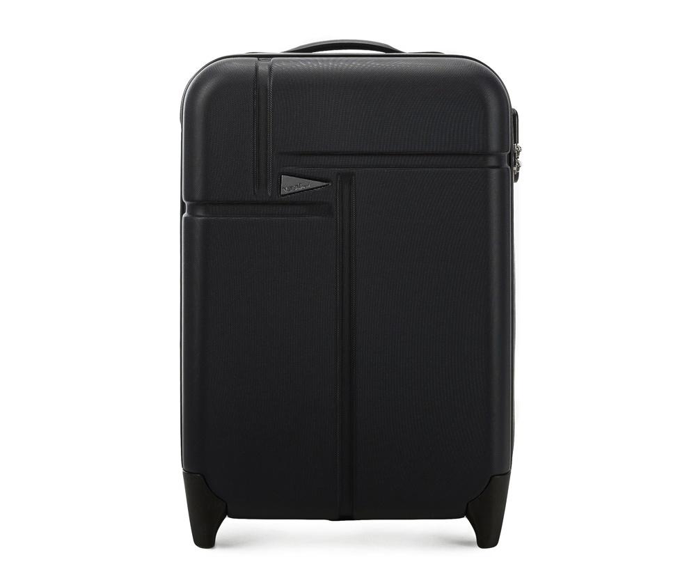 Чемодан на колесиках 19\\Маленкий чемодан марки VIP Collection. Изготовлен из высокопрочного пластика ABS. Имеет два колесика, выдвижную ручку и резиновую ручку для облегчения передвижения чемодана. Дополнительно  защита в виде кодового замка, предотвращего нежелательный доступ к Вашим вещам. Чемодан соответствует требованиям ручной клади.  Внутри:     основное отделение  с эластичными ремнями, предохраняющими одежду от перемещения;  отделение  на молнии;  карман - сетка на молнии.    Указанные размеры включают в себя также выступающие элементы, такие как ручки или колеса.<br><br>секс: унисекс<br>Цвет: черный<br>подкладка:: полиэстр<br>высота (см):: 51<br>ширина (см):: 35<br>глубина (см):: 20<br>размер:: ручная кладь<br>объем (л):: 31<br>вес (кг):: 2,6