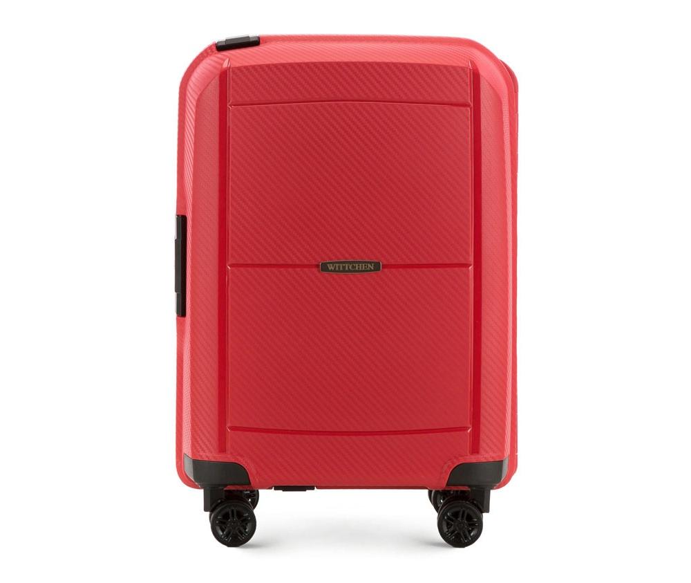 Чемодан на колёсиках 20\\Маленький чемодан из коллекции Premium PP,  сделан из ударопрочного полипропилена.  Чемодан имеет 4 двойных колесика, двухступенчатую выдвижную ручку и  дополнительную боковую ручку, оснащен кодовым замком с системой TSA.  Чемодан сделан в оригинальном дизайне - из-за осутствия подкладки во  внешней стороне отдела, позволяет более эффективно использовать  пространство для упаковки вещей.&#13;<br>Внутри:&#13;<br>&#13;<br>    два отдела для одежды, один отдел фиксируется ремнями на застежку, второй отдел имеет отделение на молнии;&#13;<br>    съемное открытое отделение.<br><br>секс: женщина<br>материал:: Полипропилен<br>высота (см):: 55<br>ширина (см):: 39<br>глубина (см):: 20<br>вес (кг):: 2.9<br>объем (л):: 35