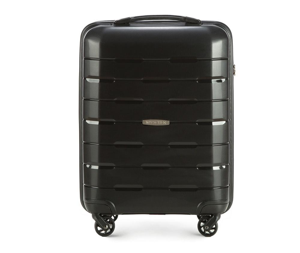 Чемодан на колёсиках  19\\Маленький чемодан из коллекции Speedster из полипропилена. Имеет четыре колесика, облегчающие управление, телескопическую алюминиевую и  2 дополнительные прорезиненные  ручки. Привлекательный дизайн и функциональность чемодана понравится каждому любителю путешествий. Дополнительно замоком TSA, который очень удобен и гарантирует безопасное открытие чемоданов и его повторное закрытие без повреждений замка сотрудниками таможни. Чемодан соответствует требованиям ручной клади. Особенности модели:  основное отделение с эластичными ремнями, предохраняющими одежду от перемещения;  отделение на молнии;  карман из сетки на молнии.<br><br>секс: унисекс<br>Цвет: черный<br>материал:: Полипропилен<br>подкладка:: полиэстер<br>высота (см):: 55<br>ширина (см):: 38<br>глубина (см):: 20<br>размер:: маленький<br>вес (кг):: 2,6<br>объем (л):: 29
