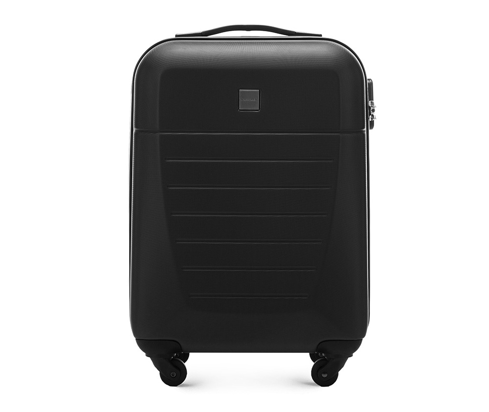 Маленький чемодан 19\Маленький чемодан из прочного материала ABS. Четыре прочных колеса позволяют легко перемещать чемодан. Имеет двухступенчатую телескопическую ручку с фиксатором и кодовый замок с системой TSA для надежной защиты вещей.  Кроме того, система TSA, очень удобна во время досмотра багажа на таможне. Она обеспечивает не инвазивное открытие чемодана и его повторного закрытия без повреждения замка. Корпус отвечает требованиям ручной клажи.<br>внутри: карман с застежкой-молнией и ремнем безопасности для одежды;<br><br>секс: унисекс<br>Цвет: черный<br>материал:: Поликарбонат<br>высота (см):: 55<br>ширина (см):: 36<br>глубина (см):: 20<br>размер:: маленький<br>объем (л):: 31<br>вес (кг):: 2,6