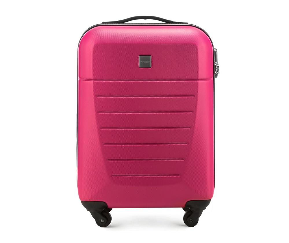 Маленький чемодан 19\Маленький чемодан из прочного материала ABS. Четыре прочных колеса позволяют легко перемещать чемодан. Имеет двухступенчатую телескопическую ручку с фиксатором и кодовый замок с системой TSA для надежной защиты вещей.  Кроме того, система TSA, очень удобна во время досмотра багажа на таможне. Она обеспечивает не инвазивное открытие чемодана и его повторного закрытия без повреждения замка. Корпус отвечает требованиям ручной клажи.<br>внутри: карман с застежкой-молнией и ремнем безопасности для одежды;<br><br>секс: унисекс<br>Цвет: розовый<br>материал:: Поликарбонат<br>высота (см):: 55<br>ширина (см):: 36<br>глубина (см):: 20<br>размер:: маленький<br>объем (л):: 31<br>вес (кг):: 2,6