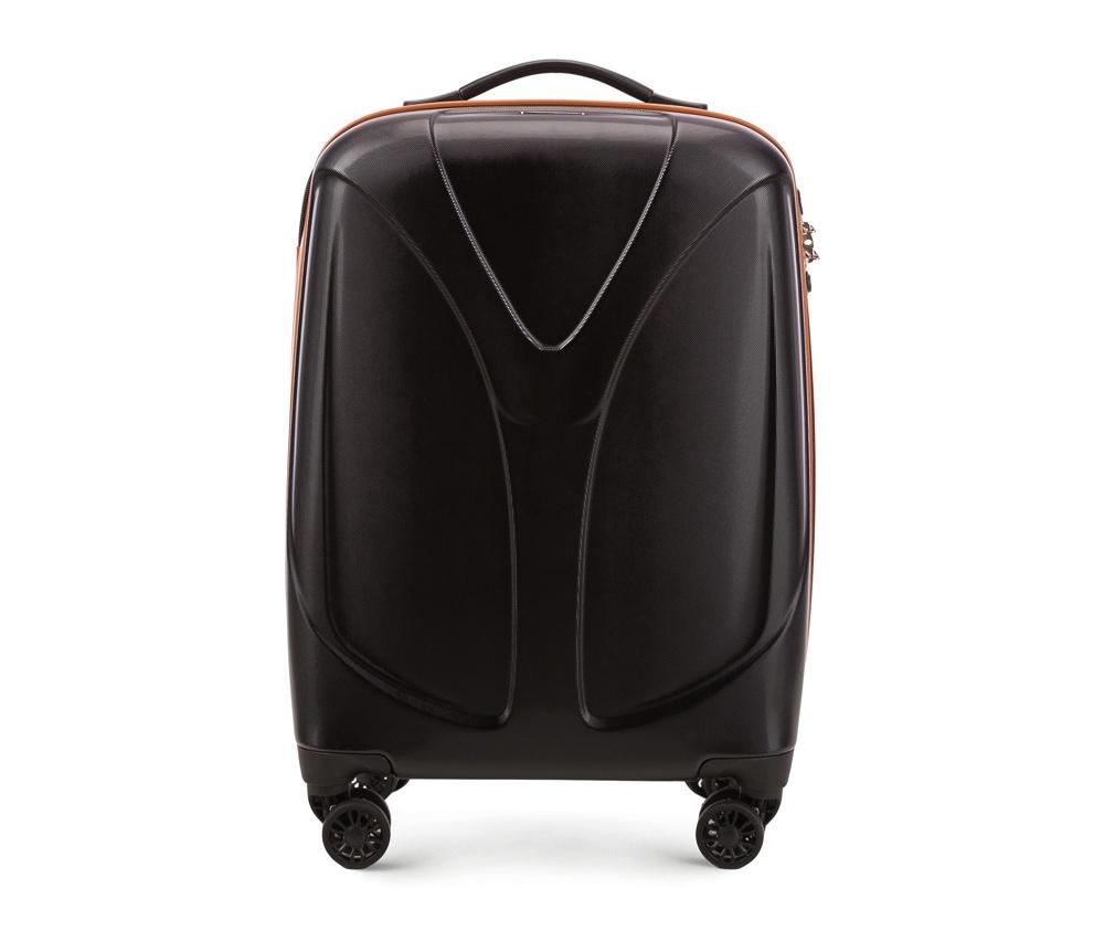 Чемодан на колёсиках 20\\Маленький чемодан размеров из коллекции  V-Line, сделан из  прочного      материала - поликарбонат. Оснащен четырьмя колесами,      телескопической  ручкой, эластичной резиновой ручкой для   ношения в    руке и замоком TSA.&#13;<br>&#13;<br>Внутри : &#13;<br>- отделение с эластичными  ремнями, предохраняющими одежду от перемещения;  &#13;<br>- отделение на молнии;   &#13;<br>- карман на молнии.<br><br>секс: унисекс<br>Цвет: черный<br>подкладка:: полиэстр<br>высота (см):: 56<br>ширина (см):: 38<br>глубина (см):: 20,5<br>размер:: ma?a<br>объем (л):: 34<br>вес (кг):: 2,4