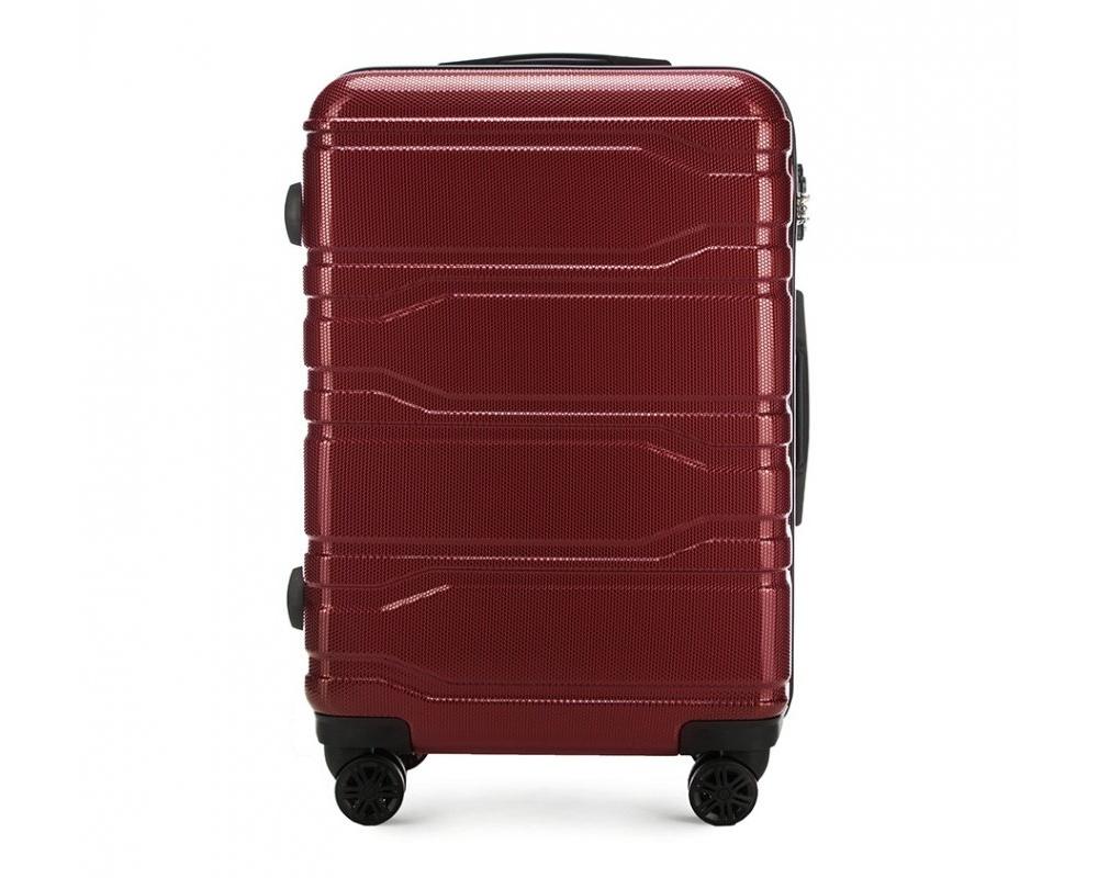Чемодан на колёсикахСредний чемодан из коллекции Trail Style, выполнен из очень прочного материала - поликарбоната. Модель оснащена  4 колесиками, телескопической ручкой,эластичной  и  прорезиненной ручкой для ношения в руке. Дополнительно кодовый замок TSA. , который гарантирует безопасное открытие чемоданов и его повторное закрытие без повреждения замка сотрудниками таможни.  Внутри :    отделение с эластичными ремнями, предохраняющими одежду от перемещения;  отделение на молнии;  карман на молнии.   *Указанные размеры включают в себя также выступающие элементы, такие как ручки или колеса.<br><br>секс: унисекс<br>Цвет: красный<br>материал:: Поликарбонат<br>подкладка:: полиэстр<br>высота (см):: 67<br>ширина (см):: 44<br>глубина (см):: 24<br>размер:: средний<br>объем (л):: 58<br>вес (кг):: 3,3