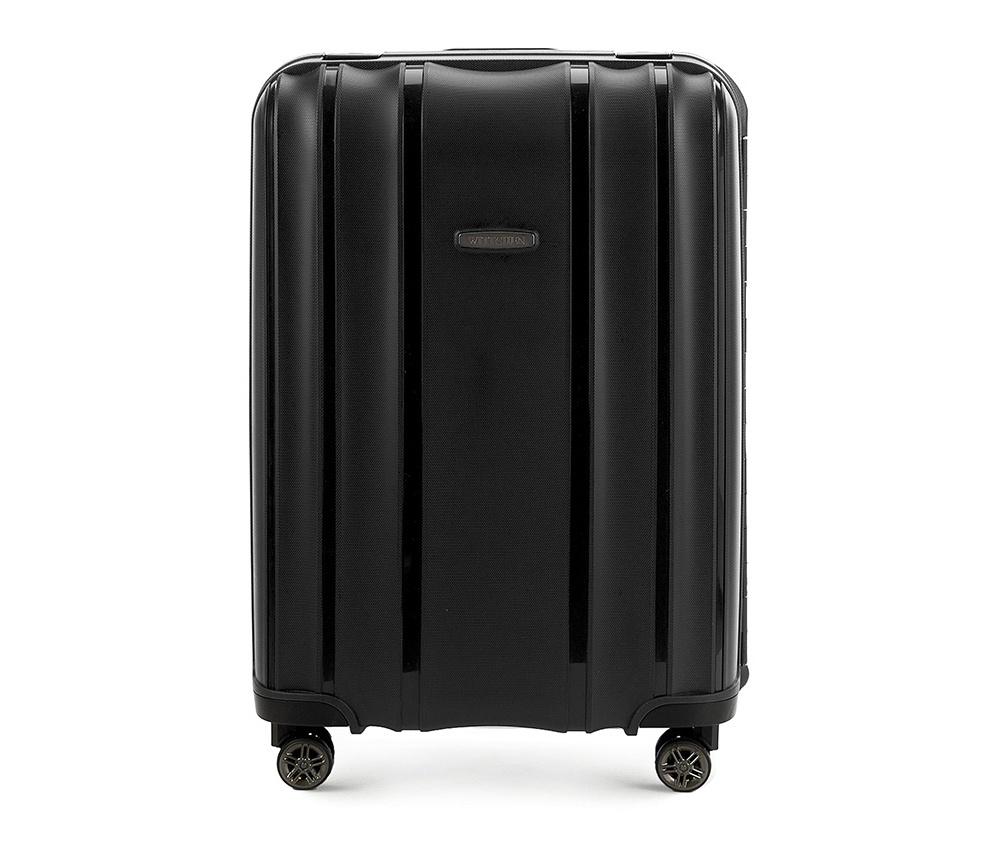 Чемодан на колёсиках 24\\Средний чемодан из коллекции Premium PP. Модель изготовлена из эластичного и ударопрочного полипропилена. Имеет четыре двойных колеса, двухступенчатую, выдвижную ручку и дополнительную ручку, облегчающие перемещение багажа. Закрывается на три пряжки главная из которых, на боковой панели чемодана, оснащена замком TSA (удобен в случае досмотра багажа таможенной службой). Внутри: основное отделение с эластичными ремнями, предохраняющими одежду от перемещения; дополнительно основное отделение оснащено перегородкой с тремя карманами, один из которых из сетки на молнии с ремнями, предохраняющими багаж от перемещения.<br><br>секс: унисекс<br>Цвет: черный<br>материал:: Полипропилен<br>высота (см):: 65<br>ширина (см):: 46<br>глубина (см):: 26<br>размер:: средний<br>объем (л):: 66<br>вес (кг):: 4,4