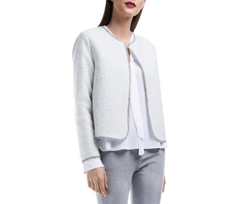 Куртка Женская Wittchen 84-9W-109-8, серыйЖенский жилет выполнен из шерсти с добавлением полиэстера, благодаря чему модель очень приятна на ощупь. Стандартная застежка была заменена защелкой.  Стильный фасон, который подойдет как в официальном, так и более повседневном варианте.<br><br>секс: женщина<br>Цвет: серый<br>Размер INT: XL