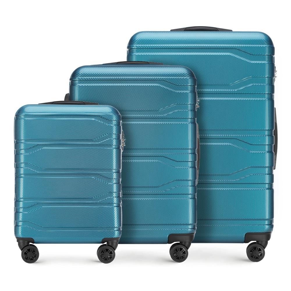 Комплект чемоданов фото